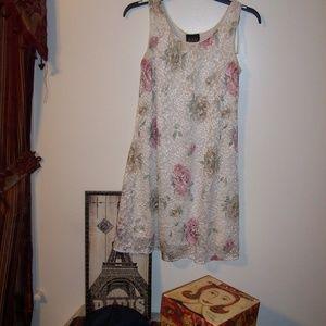 NIKKI MORGAN FLORAL LACE DRESS 6P
